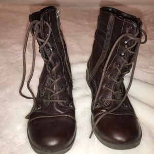 G by GUESS Bruze combat boots booties 8.5 cordovan